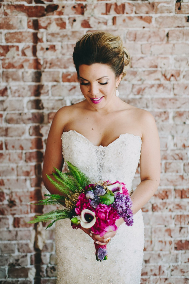 Radiant Orchid Bouquet & Lips with Gold Accents